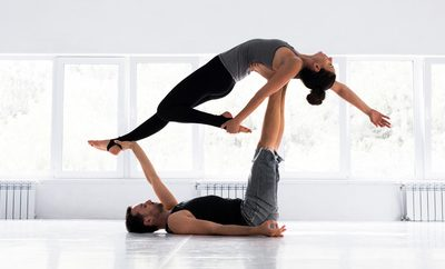 5 Ways couples yoga will help your relationship